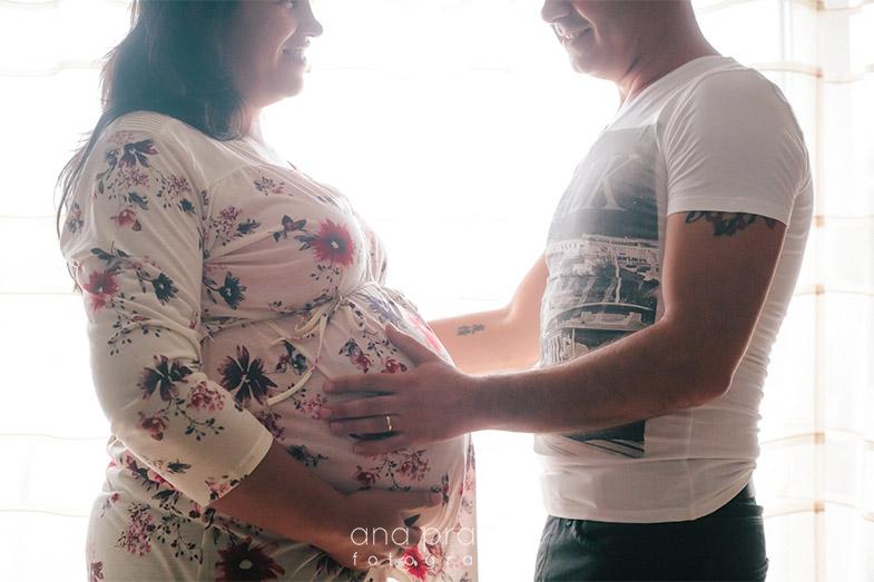 Mãe e Pai à espera de bebé