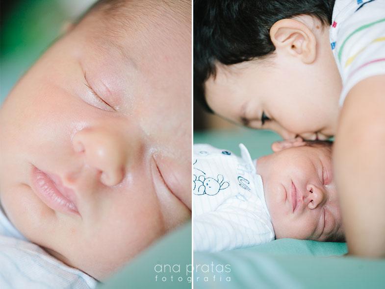 bebe recem nascido e irmao