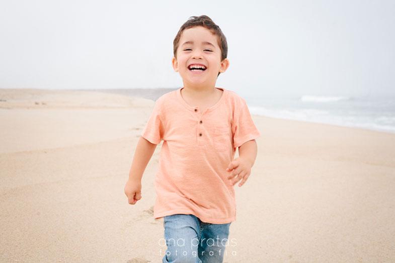 sessao-fotografica-crianca-praia