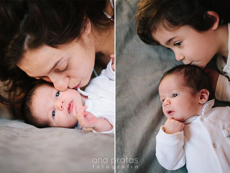 Mãe com bebé recém-nascido