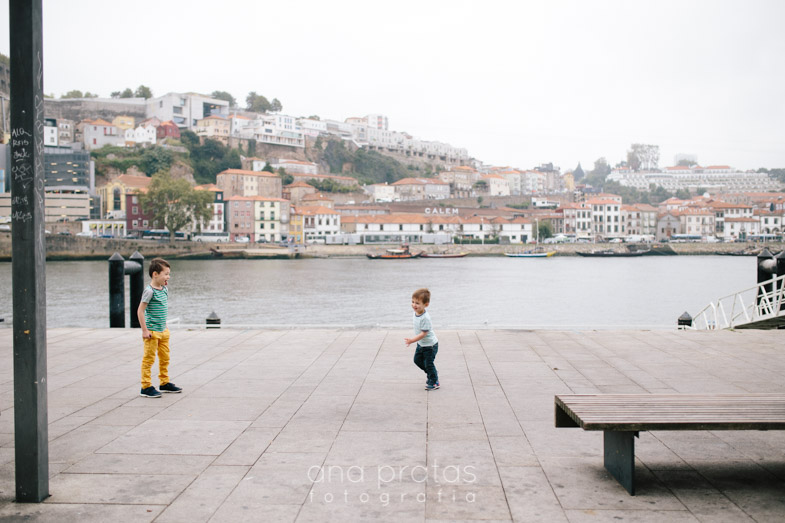 Vacation-family-session-oporto-23