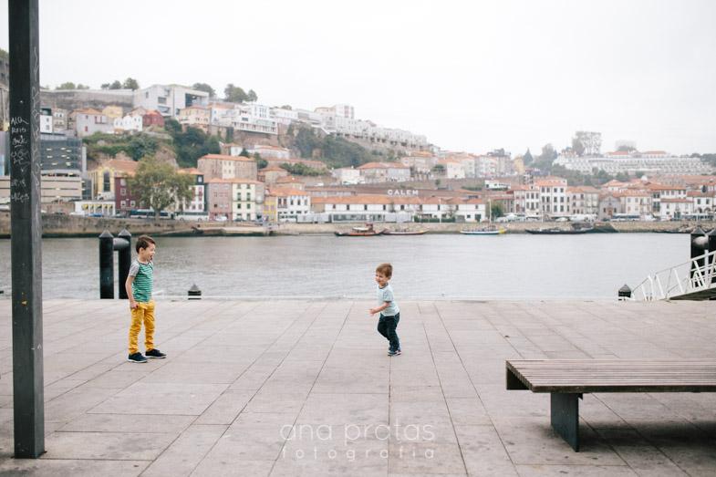 Vacation-family-session-oporto-23