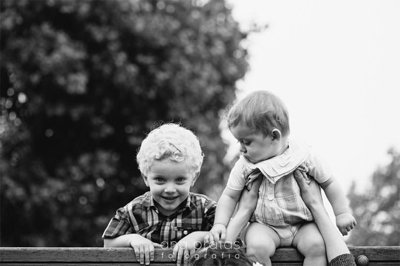 dois irmãos no parque